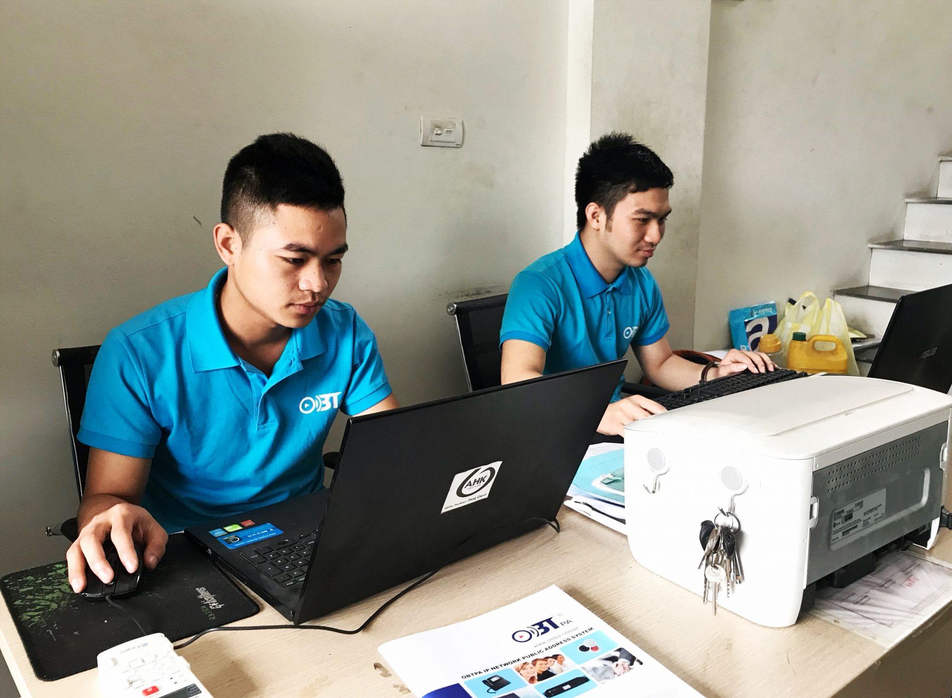 Đội ngũ nhân viên kinh doanh, tư vấn viên