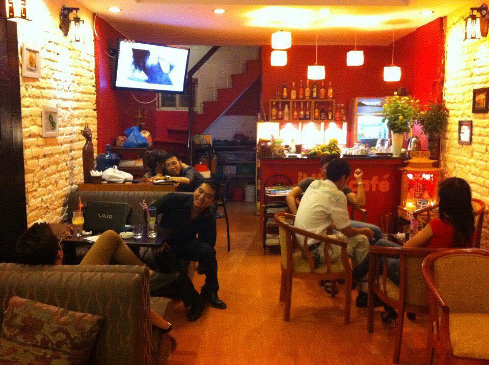 Tư vấn chọn thiết bị âm thanh khi thiết kế hệ thống âm thanh quán cafe, trà sữa.