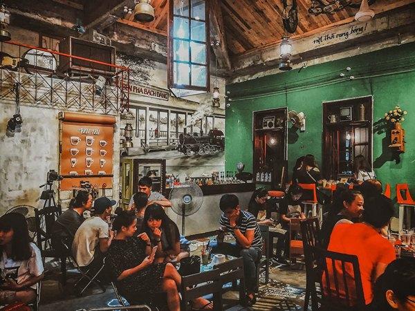 Thiết kế âm thanh quán cafe sân vườn xanh mát