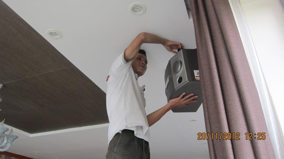Treo loa cao bao nhiêu? Chiều cao lắp đặt loa treo tường? 2