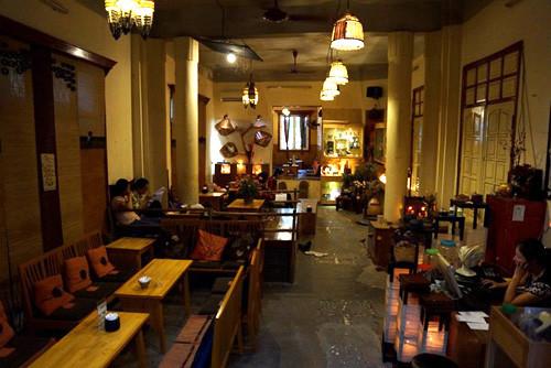 Loa nghe nhạc quán cafe, cửa hàng