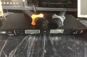 Micro không dây OBT 8668 cho dàn karaoke giá 30 triệu
