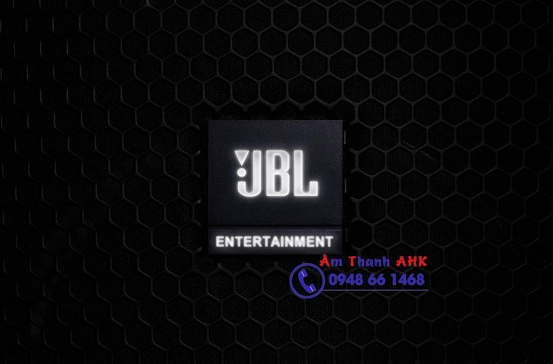 Logo loa karaoke JBL KP2012G2 phát sáng thụ động