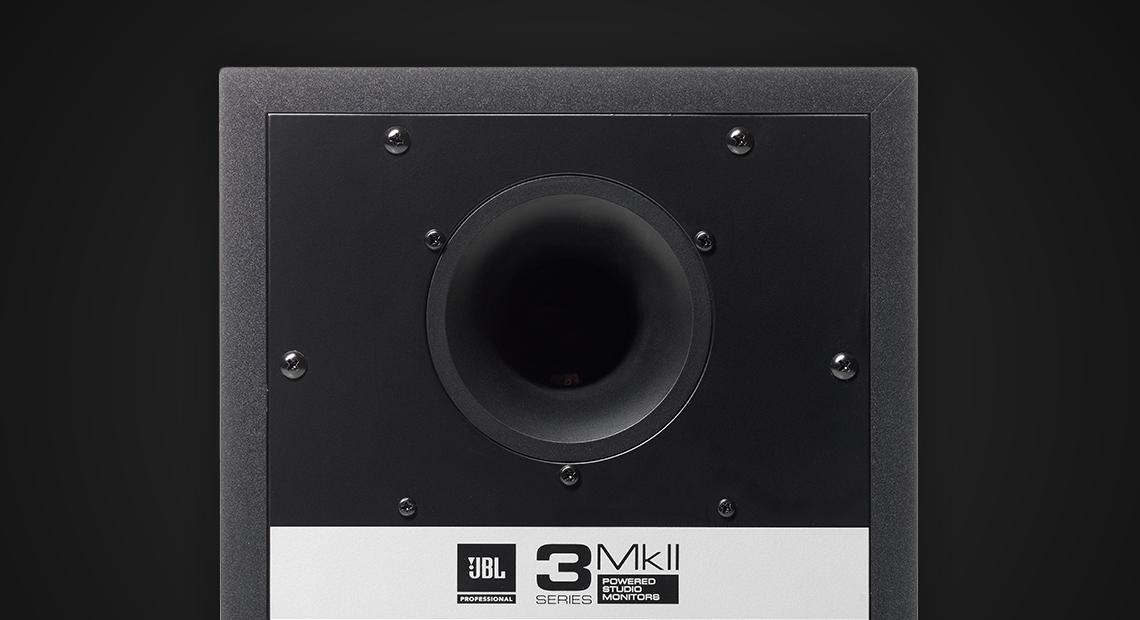 loa kiem am JBL mach khuech dai tich hop amplification