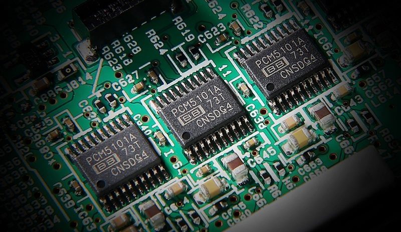 DAC_V485su dung chip xu ly am thanh cao cap