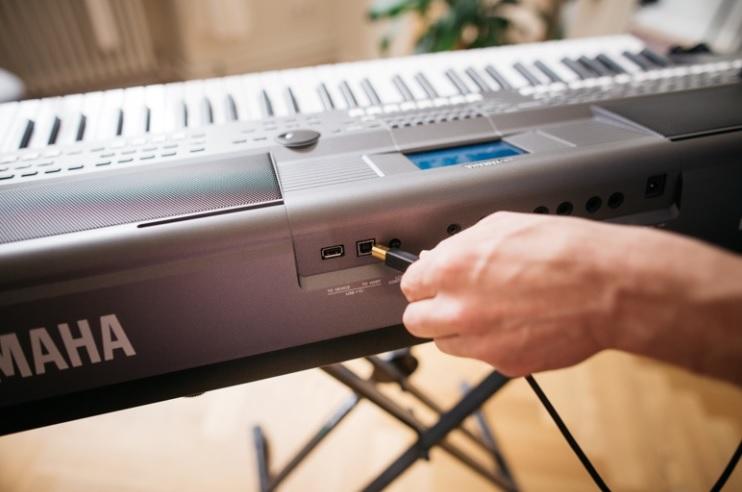 MIDI kết nối digital piano