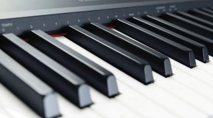 Góc nghiêng bàn phím của đàn Yamaha
