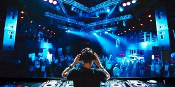 Loa nghe nhạc DJ quán bar