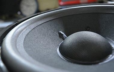 loa karaoke JBL KI81 thiết kế 3 loa 2 đường tiếng
