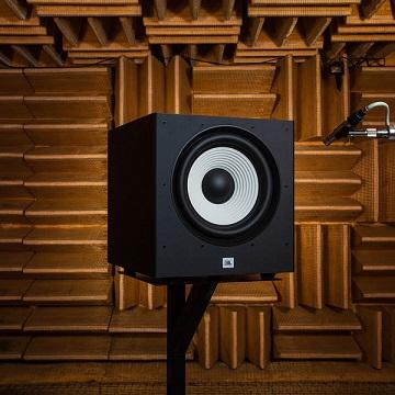 Loa sub JBL A120P thiết kế đẹp